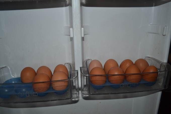 Яйца нужно класть в холодильник острым концом вниз