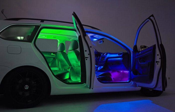 Программа позволяет настраивать подсветку для каждого пассажира