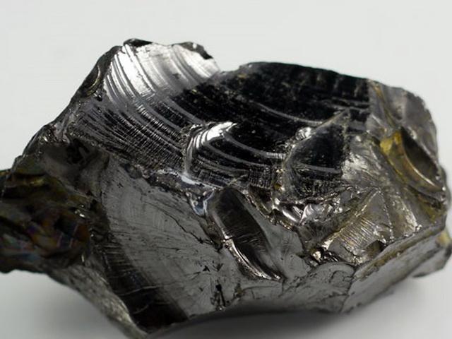 Карельский черный шунгит