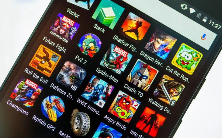 При установке игр на смартфон часто загружаются дополнительные приложения и плагины