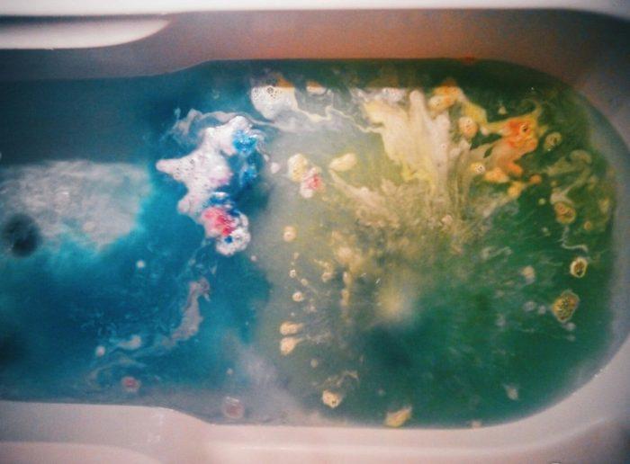 Шипучие бомбочки в ванне