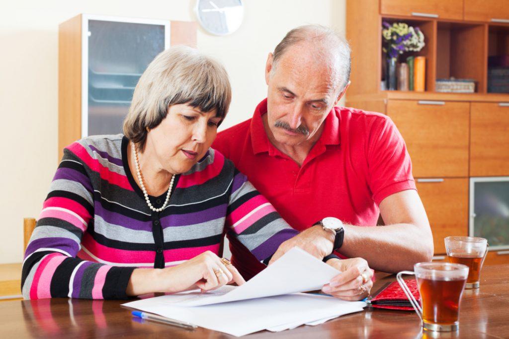 pensionery_subsidii_zhkh_dokumenty_Fotobank_01-1024x683